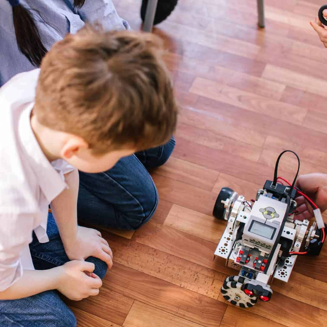 9 Cool STEM Toys Your Kids Will Love