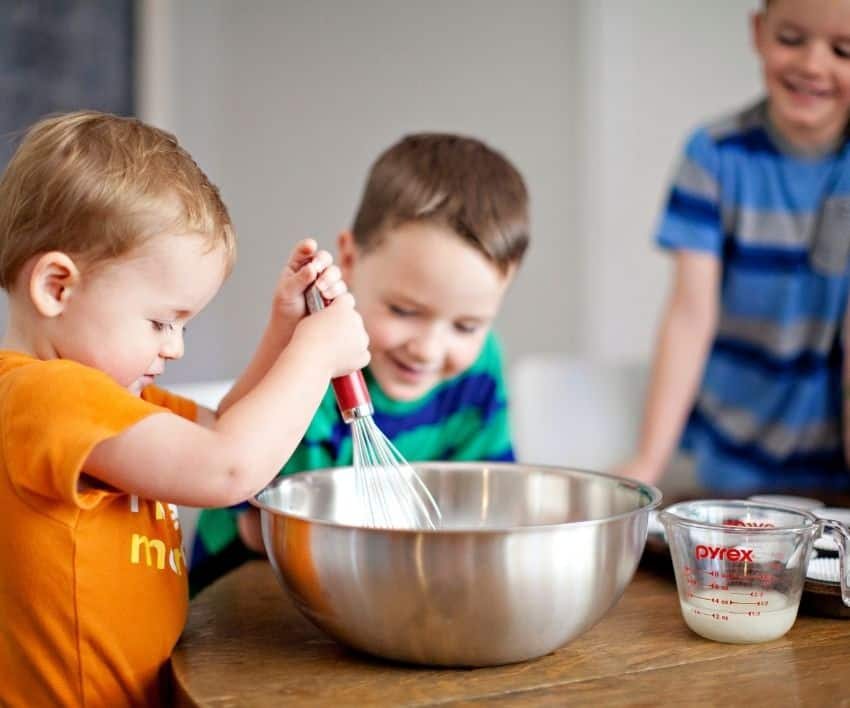 5 Fun Reasons to Teach Your Kids to Bake