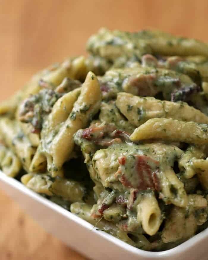 Easy dinner recipe for chicken spinach bacon alfredo
