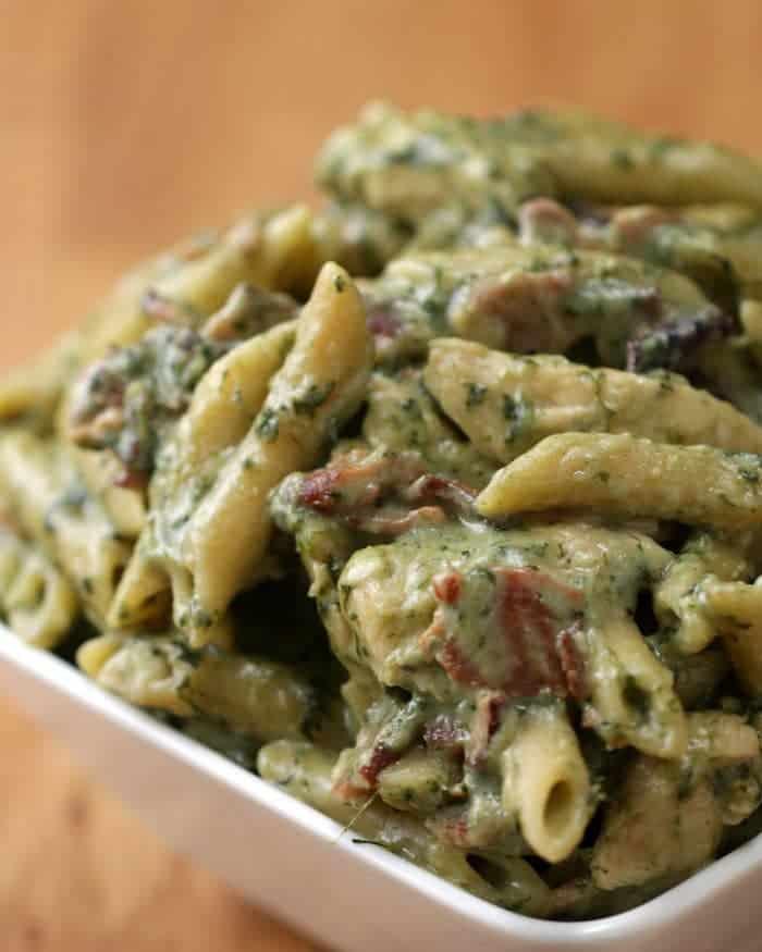 Easy dinner recipe for chicken spinach bacon alfredo