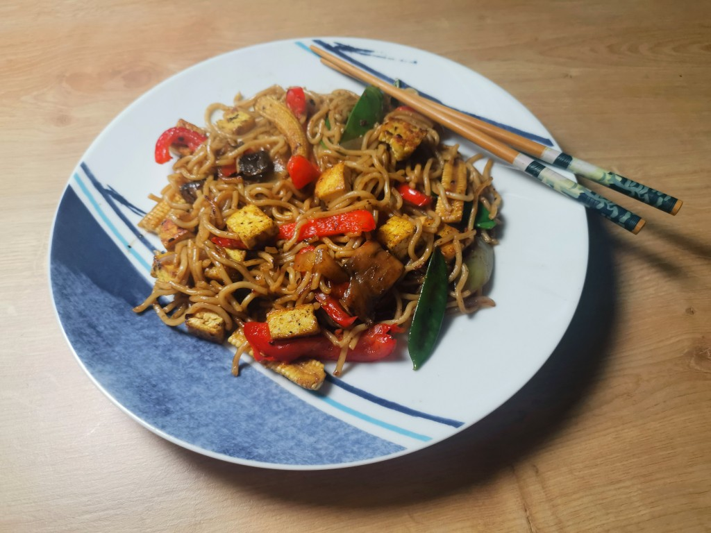 Vegan tofu stir fry, one of 15 easy dinner recipes