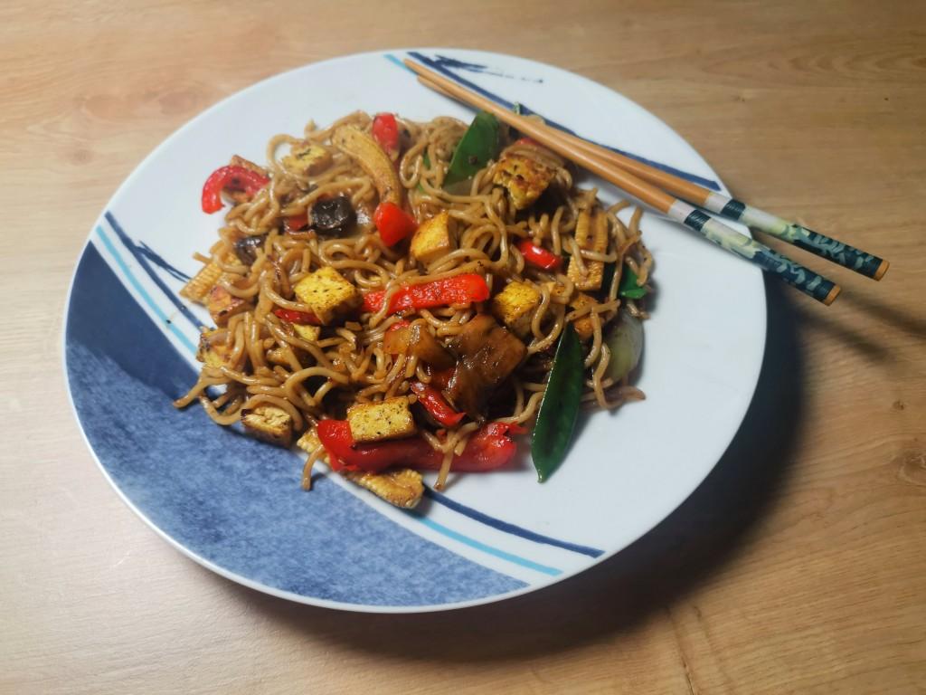Vegan tofu stir fry, one of 15 easy dinner recipes