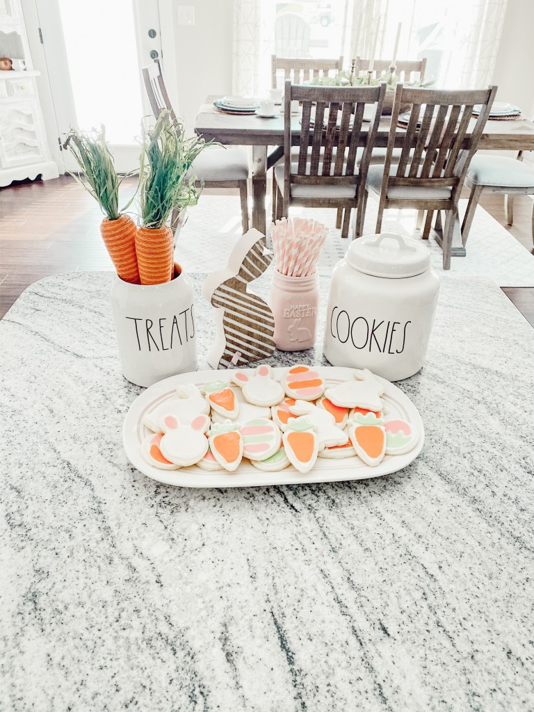 The Easiest Way To Ice Easter Sugar Cookies