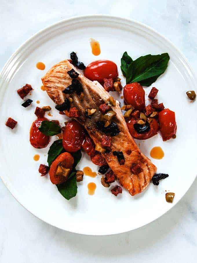 Chorizo salmon with 5 ingredients or less