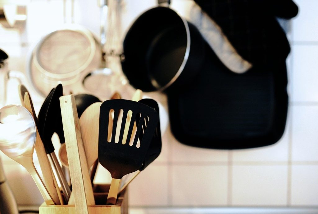 Main image for 12 Essential Kitchen Tools
