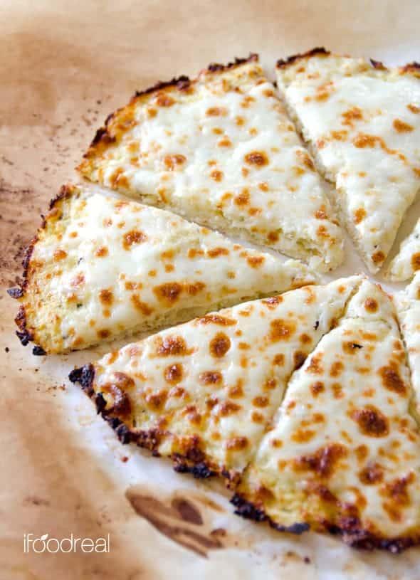 Cheesy pizza on cauliflower crust
