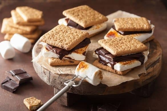 15 Best S'mores Dessert Recipes & Treats