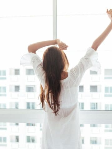 11 best ways to wake up at 5 AM or earlier